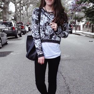 Cropped floral sweater